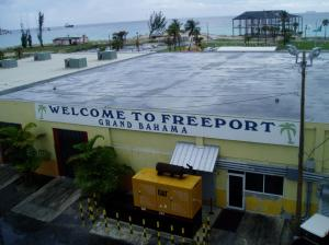 Freeport, Grand Bahama Island cage dive